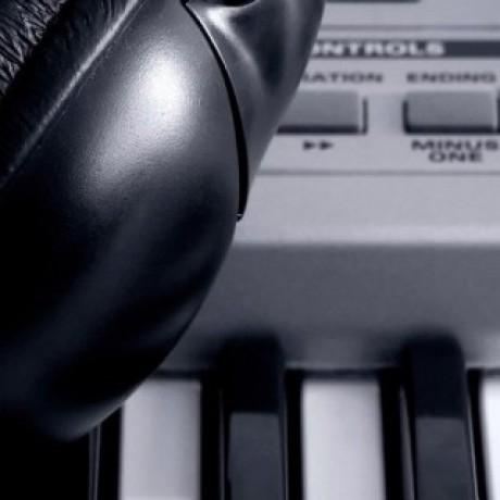 http://aparkov.ru/wp-content/uploads/2014/02/slide_headphones-1024x320.jpg